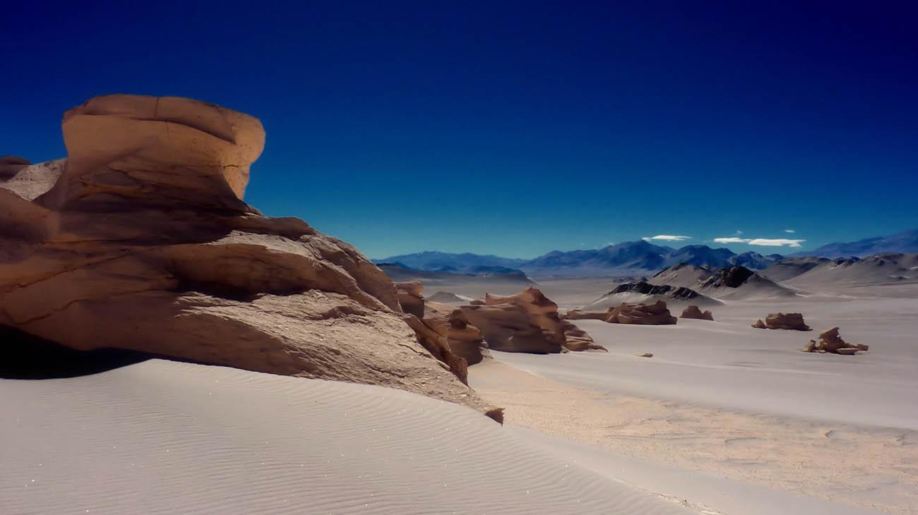 Chili-atacama-desert-dunes
